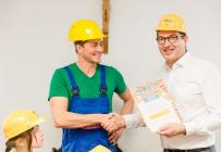 """Prominenter Besuch beim Jahresauftakt der Aktion """"Baumeister gesucht!"""" in Peißenberg. © i!bk/2019"""